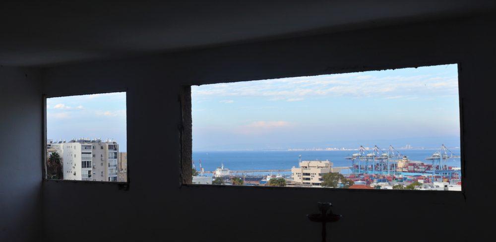 חלונות לכל כיוון (צילום: עומר מוזר)