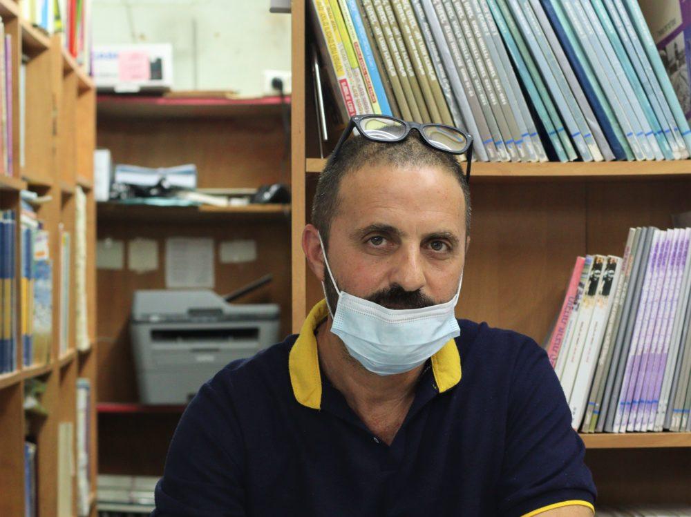 דב, בעל חנות כלי כתיבה (צילום: עומר מוזר)