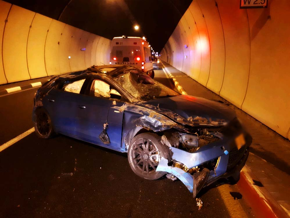 תאונה במנהרות הכרמל (צילום: איחוד הצלה)