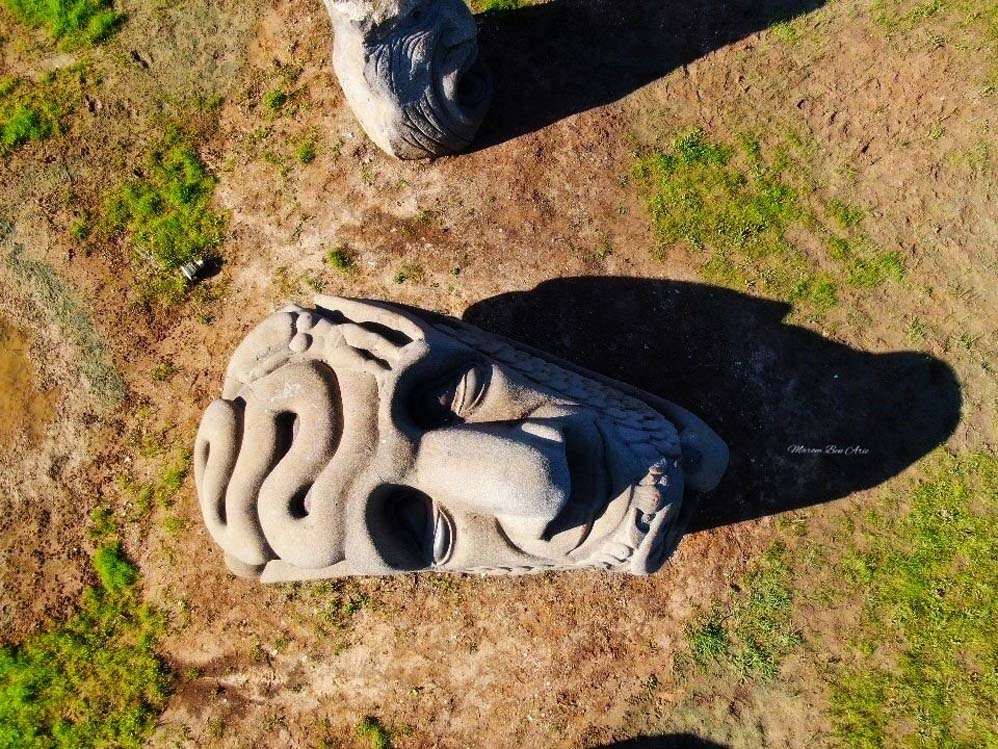 בזלטון - גן פסלי ענק מאבן בזלת - קיבוץ עין כרמל (צילום: מרום בן-אריה)