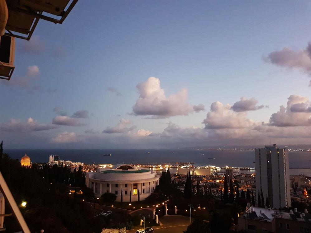 חיפה בזריחה - מרכז הבהאים (צילום: יאנה נגאי קוסוב)