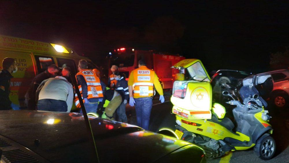 תאונה קטלנית בכביש 4 (צילום: איחוד הצלה)
