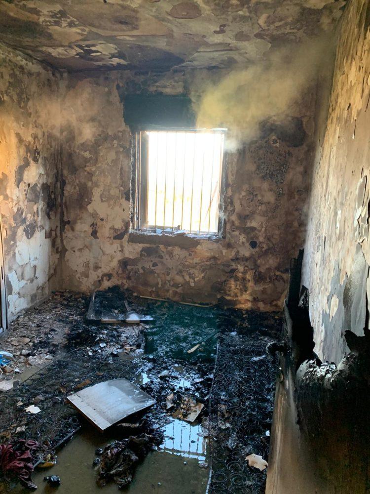 דירה נשרפה בקרית חיים (צילום: כבאות והצלה חיפה)