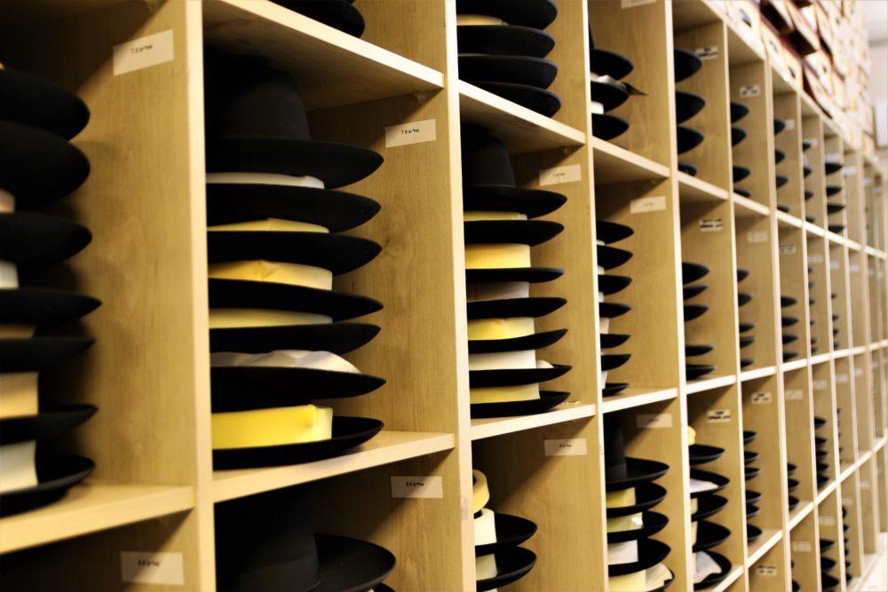 ברון כובעים   יש פה הכל (צילום: עומר מוזר)