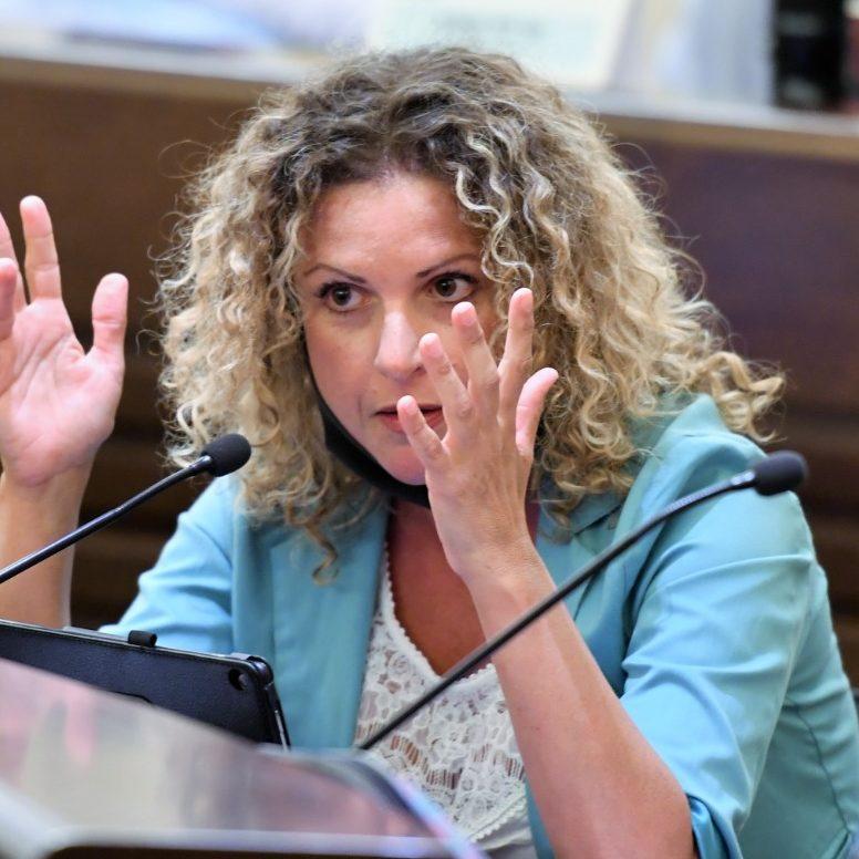 הילה לאופר (צילום: ראובן כהן, דוברות עיריית חיפה)