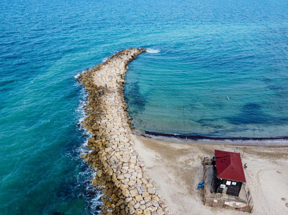 שובר הגלים (צילום: גלעד שטיין)