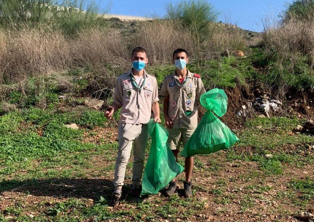דואגים לטבע (צילום: תנועת הצופים בחיפה)