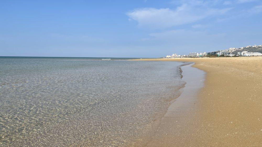מסלול ההליכה לכיוון עתלית - חופי טירת כרמל - סגר הקורונה (צילום: ירון כרמי)