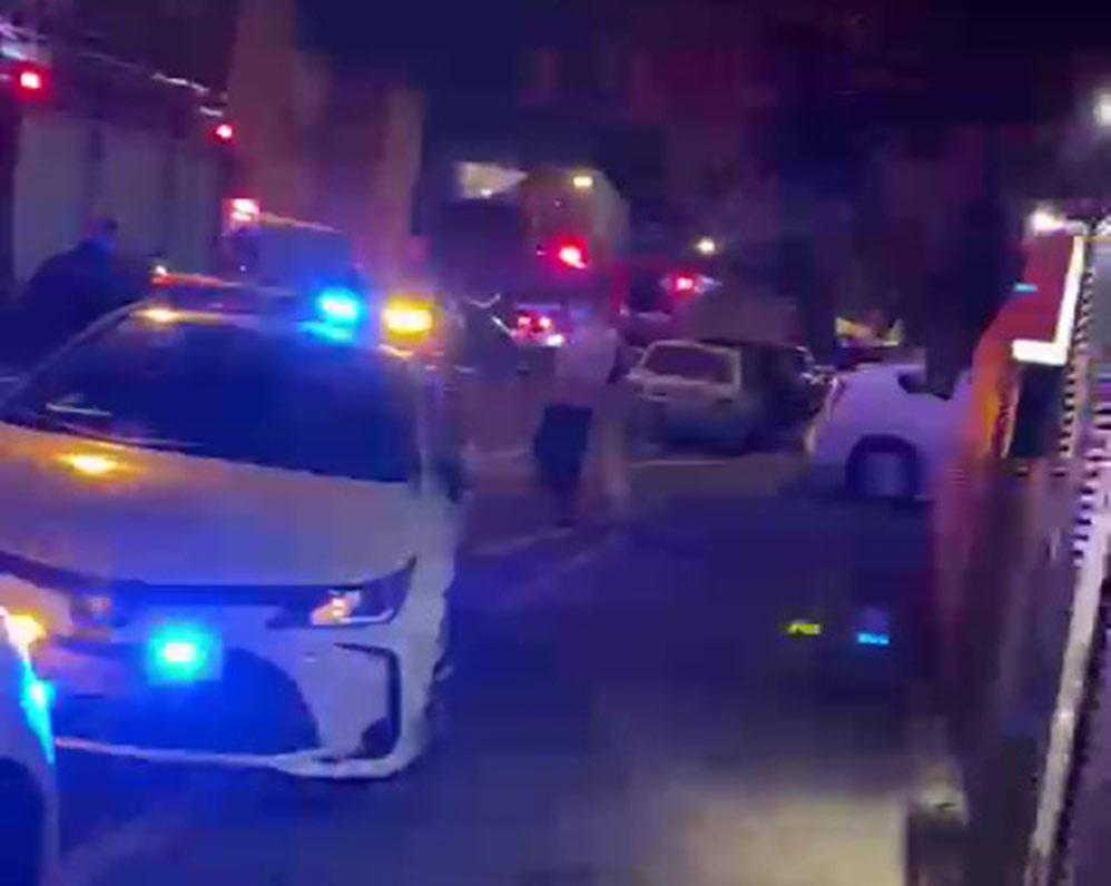 שרפה ברחוב אלכסנדר ינאי בשכונת כרמליה בחיפה (צילום: חי פה בשטח)