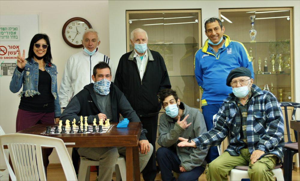חברי המועדון (צילום: עומר מוזר)