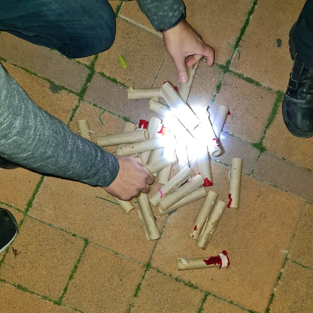 חזיזים ונפצים (צילום: דוברות המשטרה)
