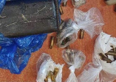 סמים ונשק שנתפסו (צילום: דוברות המשטרה)