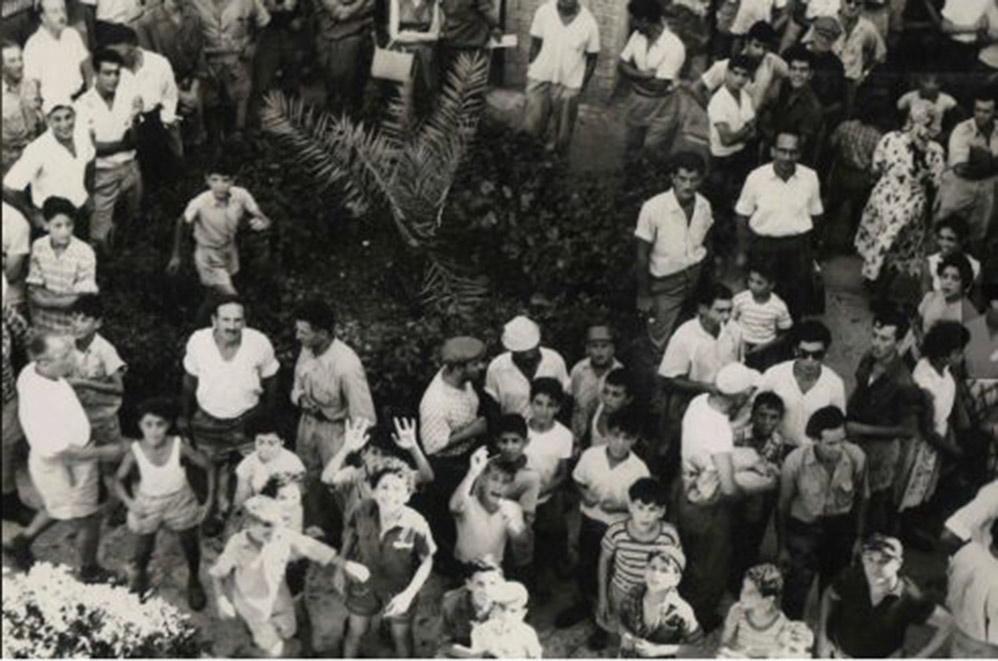 הפגנה של תושבי ואדי סליב מול מטה משטרה בחיפה שנת 1959 (צילום: משטרת ישראל)
