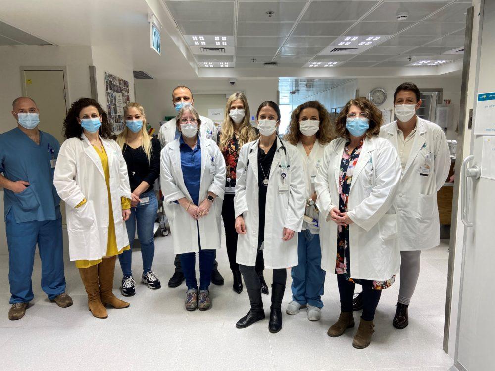 צוות מרפאת פוסט קורונה (צילום: המרכז הרפואי בני ציון)