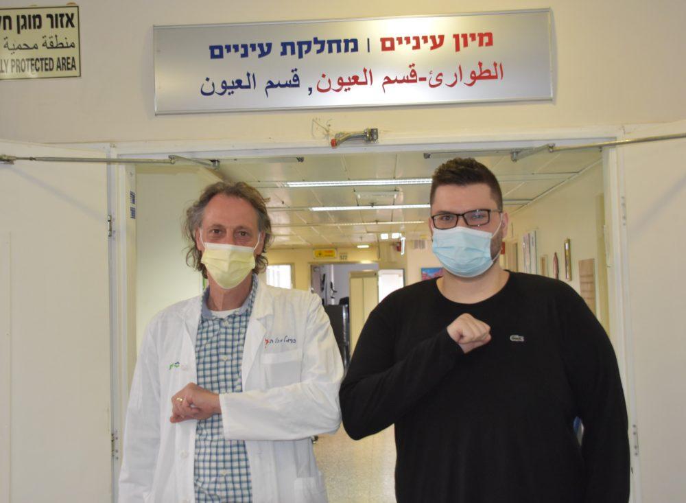 """ד""""ר מיכאל היימס ועמרו (צילום: אלי דדון)"""