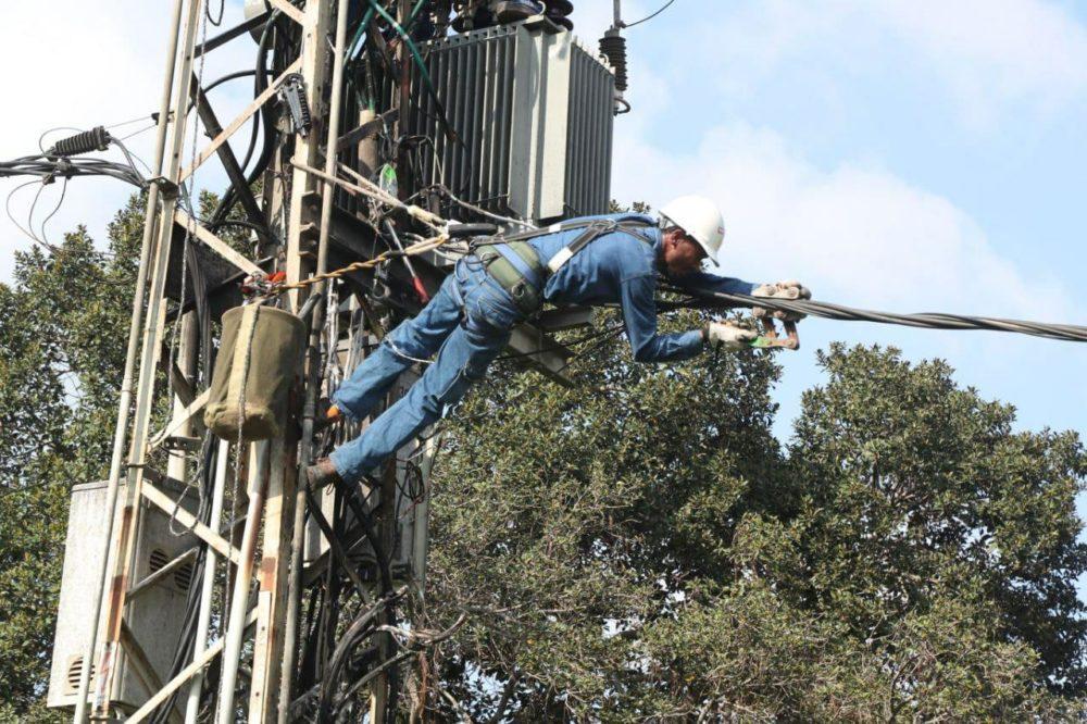 עבודות חשמל (צילום: יוסי וייס, חברת החשמל)