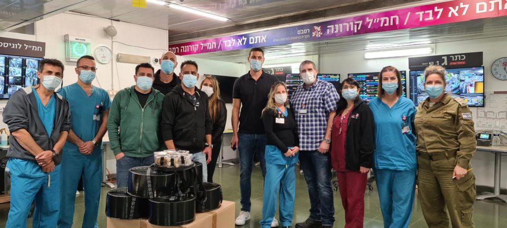 מודים לצוותים הרפואיים (צילום: דוברות נמל חיפה)