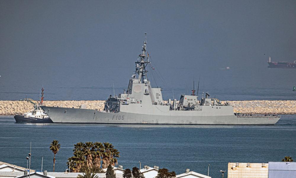 """אונית נאט""""ו בחיפה (צילום: אנתוני הרשקו)"""