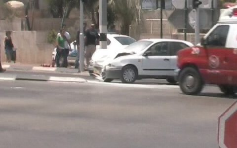 תאונה בצומת (צילום:אור ירוק)