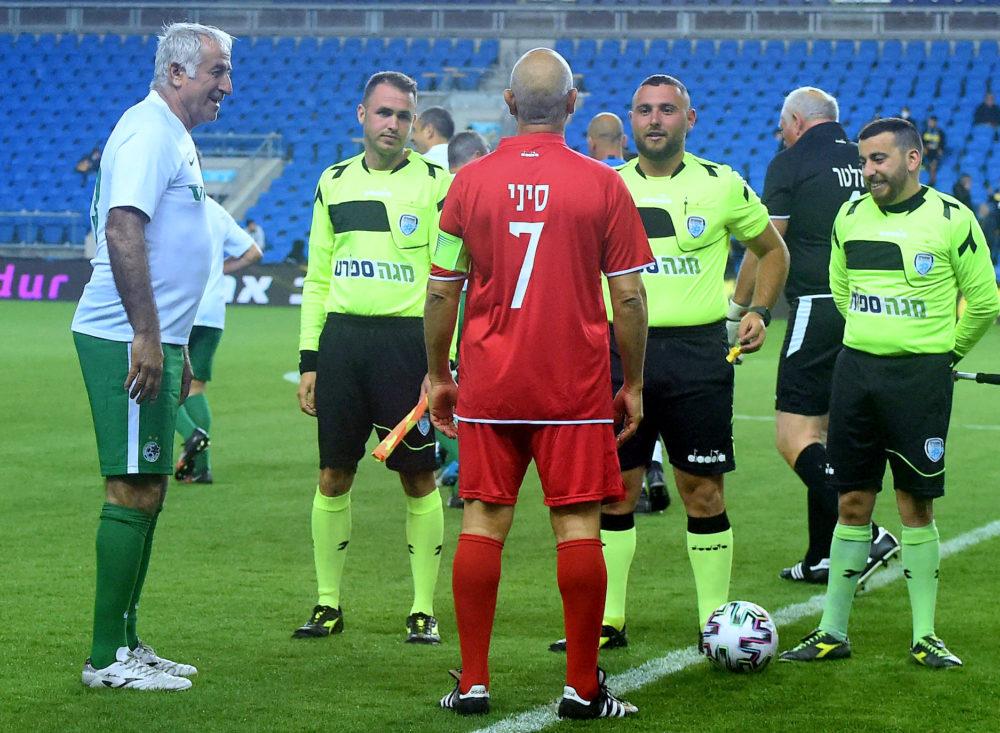 שחקני העבר של מכבי חיפה במשחק ראווה (צילום: יוסף הירש)