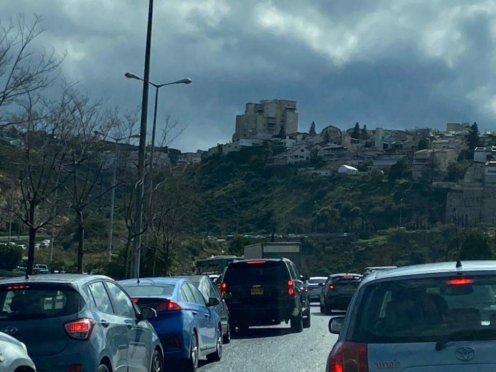 תאונה בדרך פרויד בחיפה (צילום: חנה מורג)