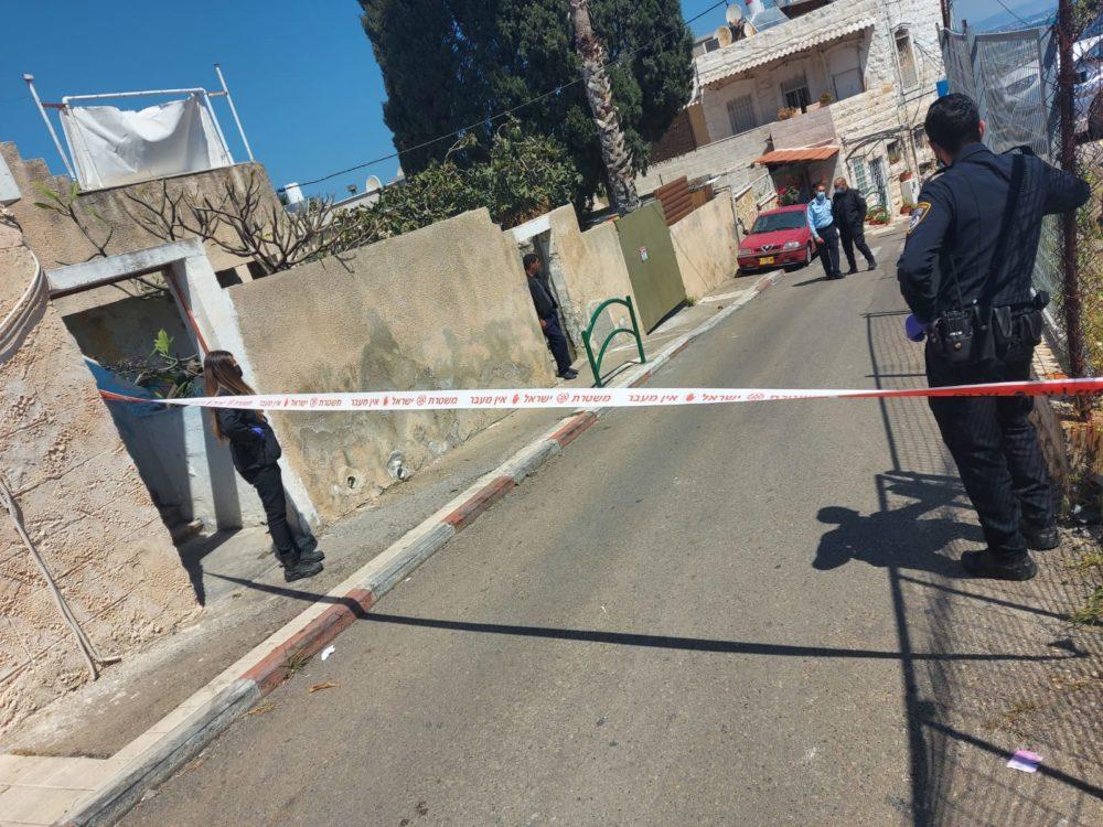 זירת אירוע - שוטרים ירו וניטרלו תוקף שניסה לדקור אותם בחיפה (צילום: משטרת ישראל)