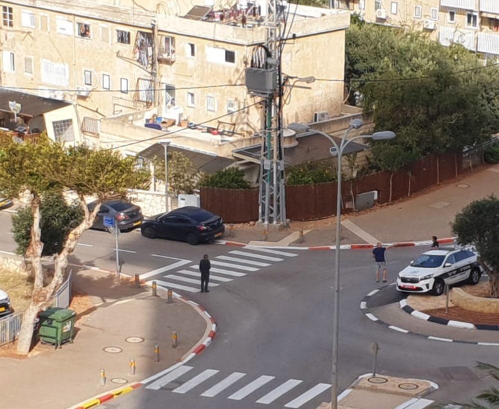 פיצוץ בשנאי של חברת החשמל ננווה דוד בחיפה והפסקת חשמל (צילום: דודי מיבלום)