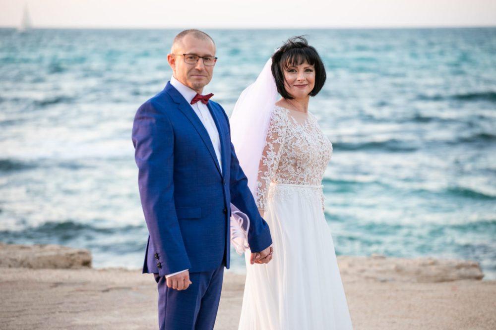 יבגניה בוגאטוב ובעלה לזר רוייף ביום החתונה (צילום: כתום צלמים)