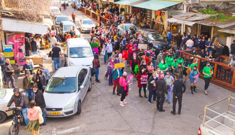 צעדת נשים בחיפה – נוכחות מרשימה (צילום: עומר מוזר)