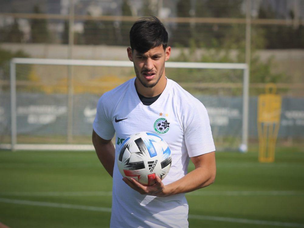 סאן מנחם ישמח שהכדור ינחת ברשת של קריית שמונה (צילום: ראובן כהן האתר הרשמי של מכבי חיפה)