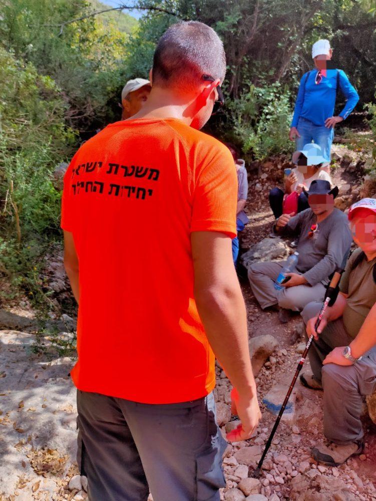 200 פנסיונרים אבדו בנחל גלים בכרמל וחולצו (צילום: יח׳ החילוץ גליל כרמל)