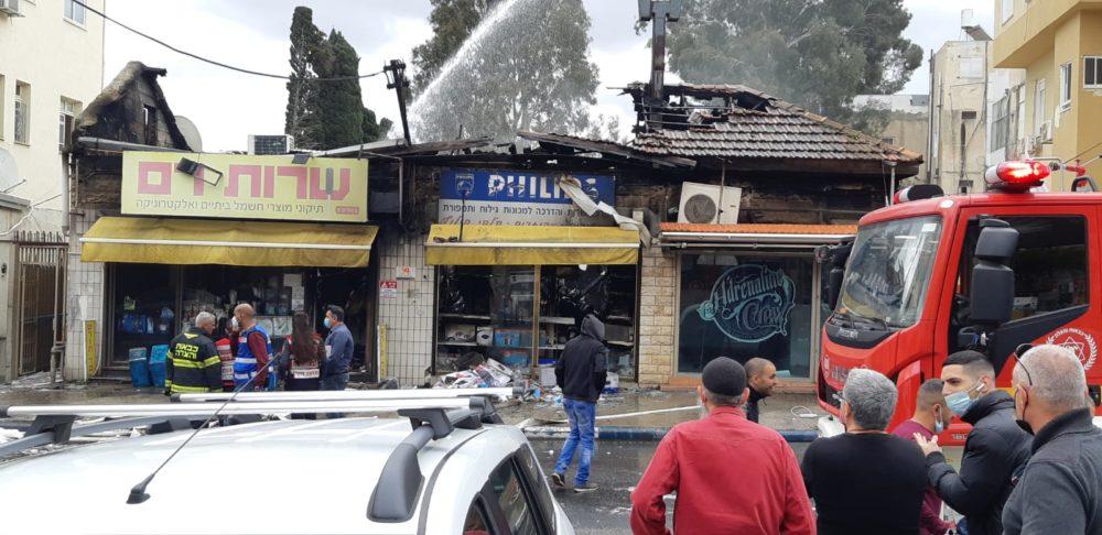 הרס נרחב במקום בעקבות השרפה (צילום מהשטח: אדיר יזירף)