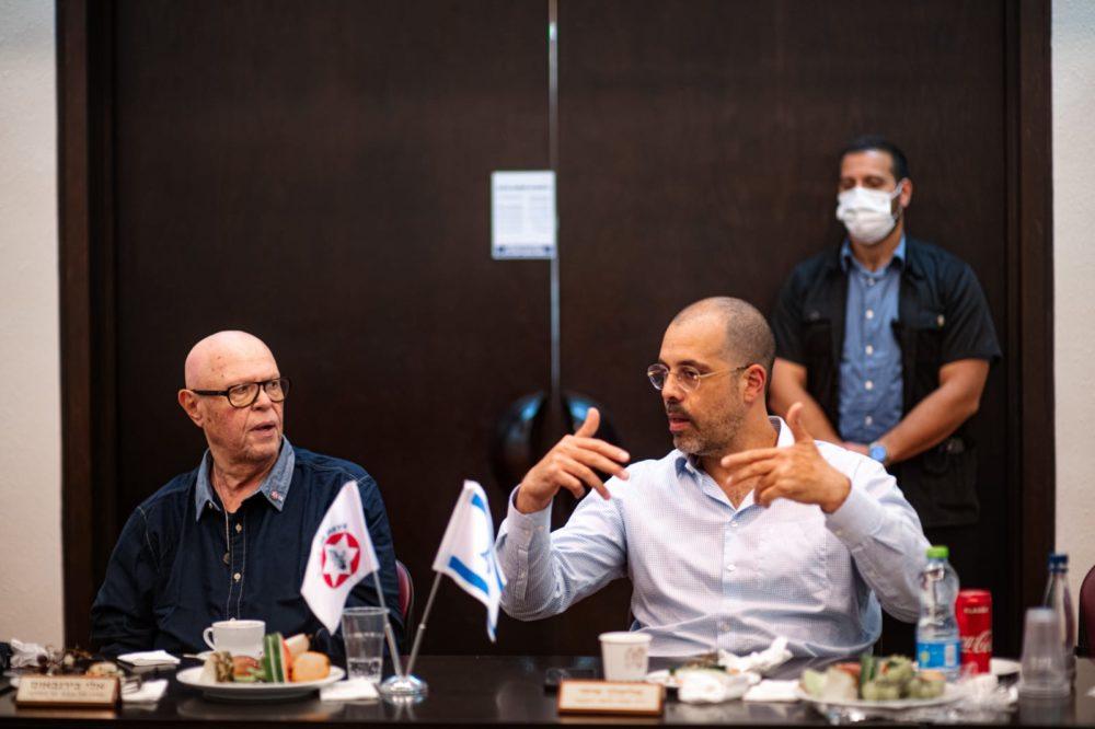 """איתי אלימלך, יו""""ר מחוז חיפה והצפון בארגון נכי צה""""ל בהצגת הרפורמה נפש אחת (צילום: ארגון נכי צה""""ל)"""