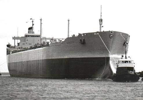 אונית טנקר   מכלית (צילום באדיבות רועי אור)