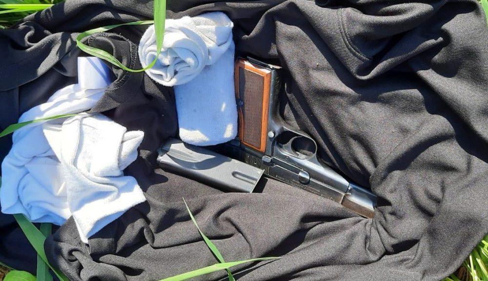 מקצת מהנשק שנתפס (צילום: דוברות המשטרה)