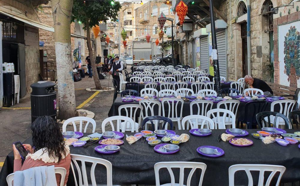 הכנות לארוחת איפטאר בואדי ניסנאס (צילום: המרכז הקהילתי אחווה)