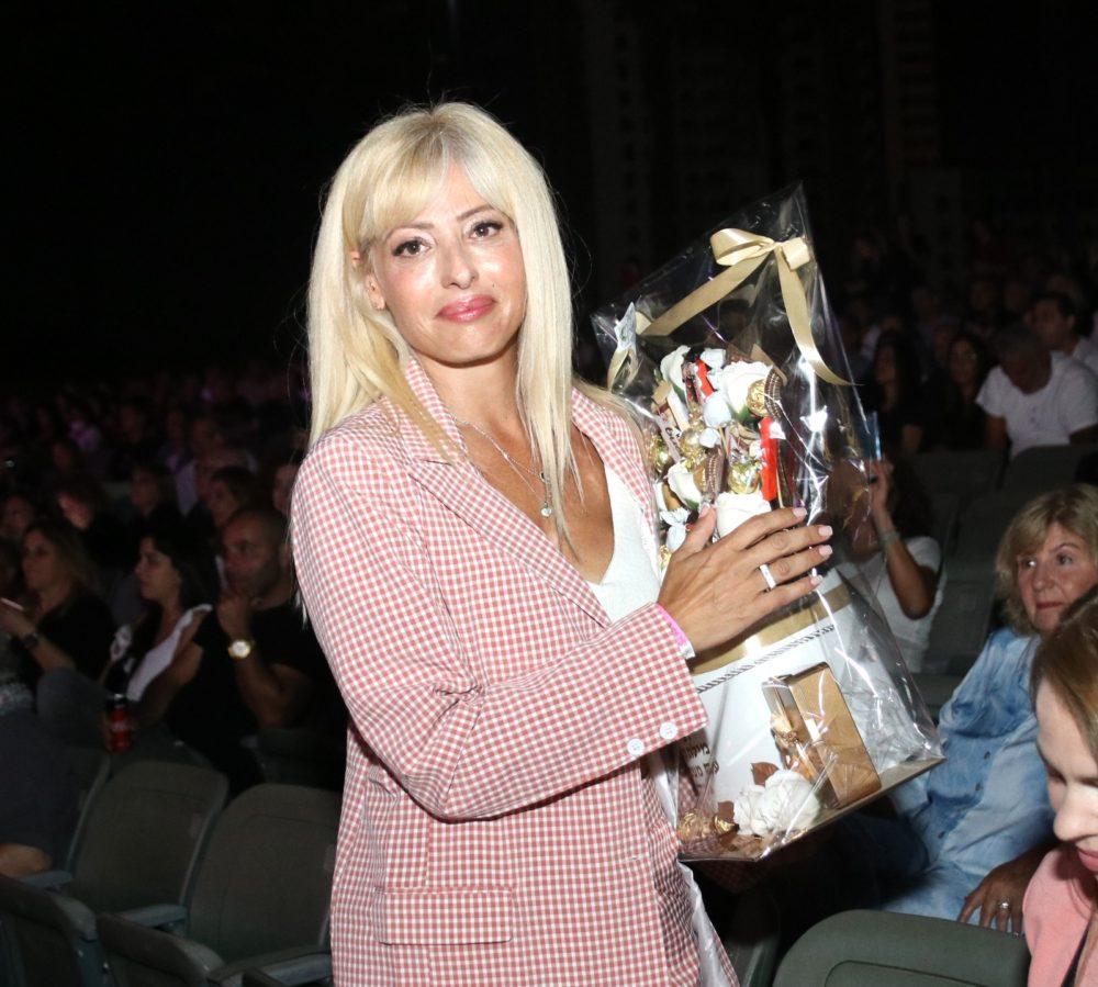 """לימור כרסנטי - הוקרה מיוחדת על תרומתה ליח""""ץ העמותה (צילום: שרה איקו)"""