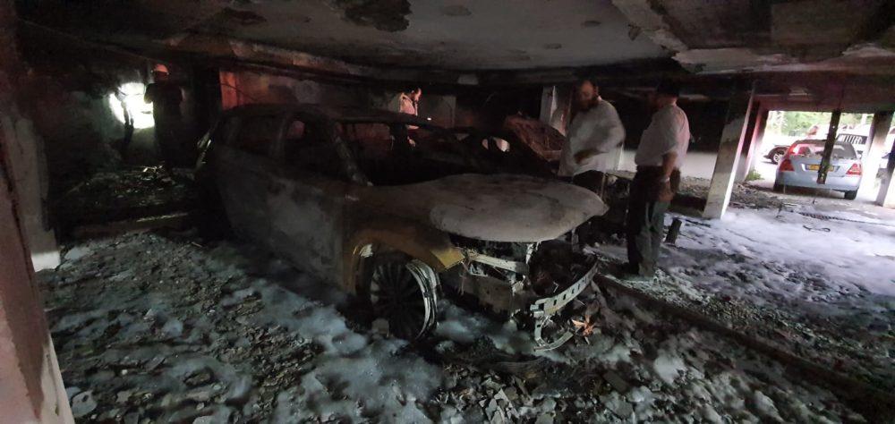 הצתת חניון תחת מבנה מגורים בחיפה כ-60 נפגעים משאיפת עשן (צילום: איחוד הצלה)
