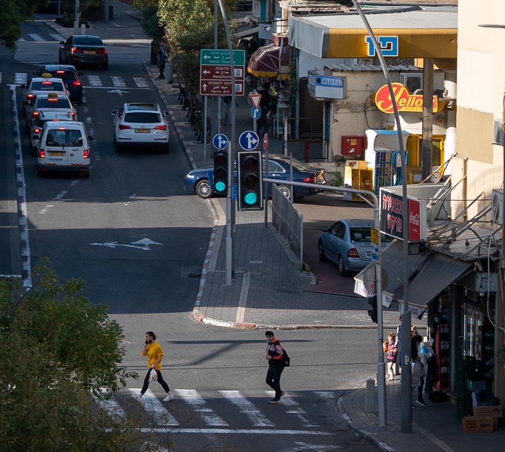 תחנת הדלק פז - רחוב החלוץ - חיפה (צילום: ירון כרמי)