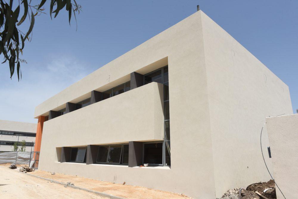"""עיריית קרית אתא מקימה אולם ספורט חדש בביה""""ס נועם (צילום: עיריית קרית אתא)"""