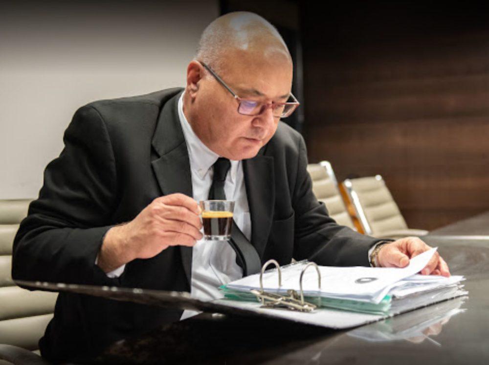 עורך הדין שמואל שטיינר - מתמחה בדיני נזיקין - נזקי אש, מפגעים ועוד