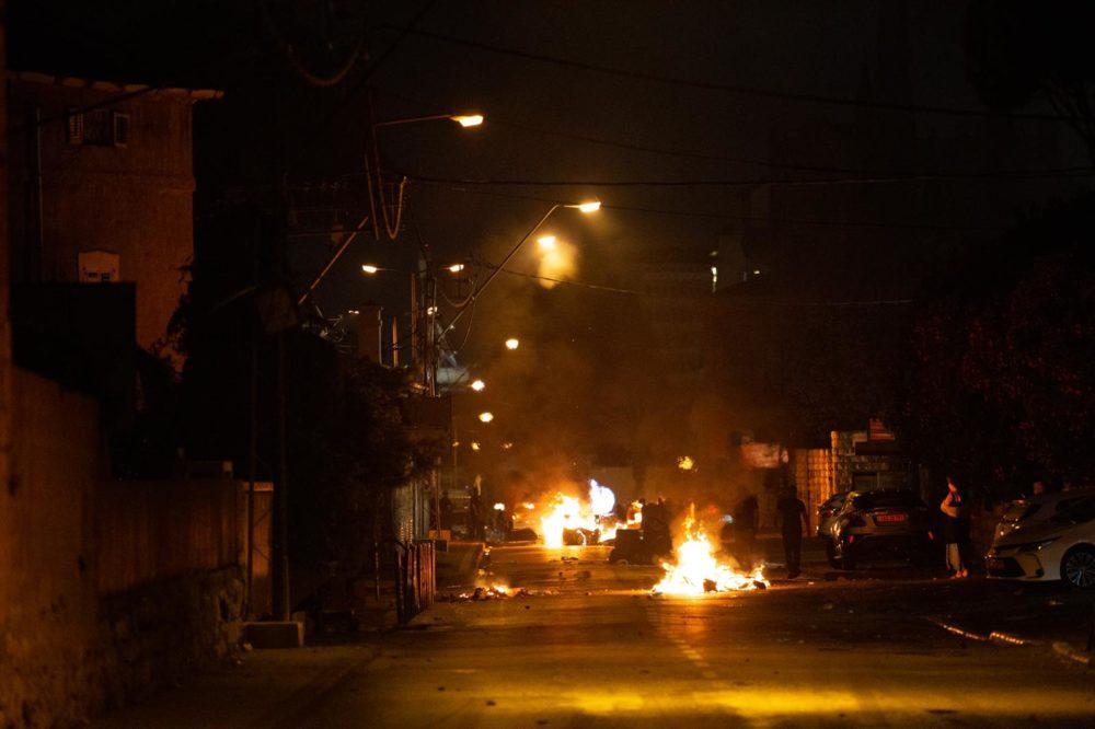התפרעות פרו-פלסטינית בשדרות בן גוריון 11/5/21 (צילום: שי רגב)