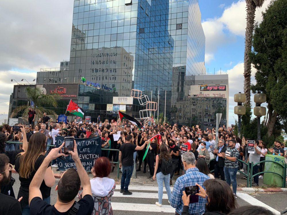 הפגנה פרו פלסטינית ברחוב הנביאים בחיפה (צילום: חי פה - תאגיד החדשות)