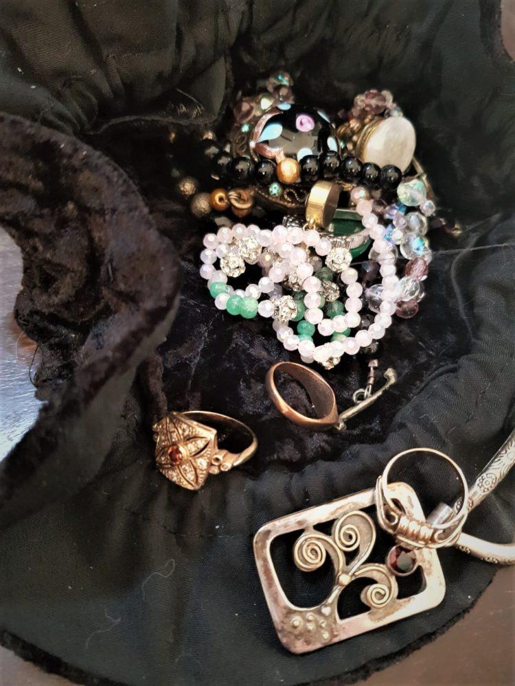תכשיטים   שלמה יובל