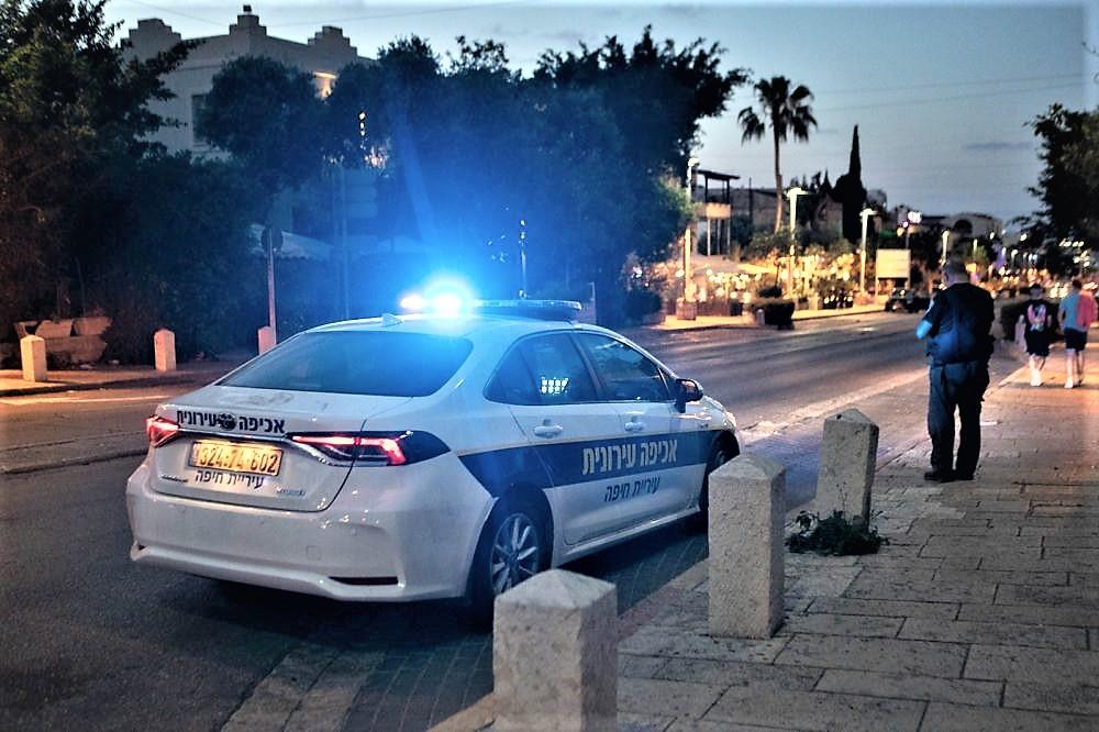 ניידת משטרה   מחאות והפרות סדר בחיפה (צילום: שי רגב)