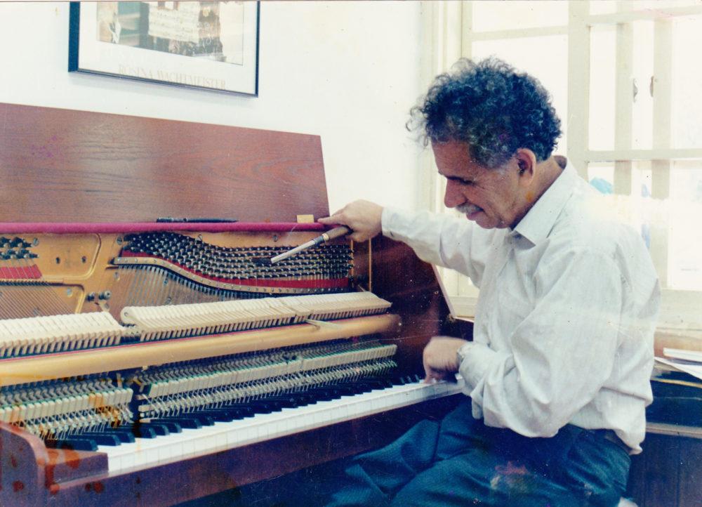 """רם דע-עוז ז""""ל, מלחין ומכוון פסנתרים ידוע (מתוך האתר של רם דע עוז)"""