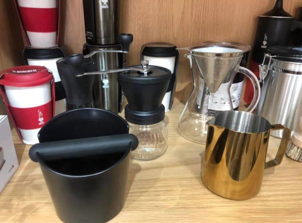 כלי הכנה והגשה שונים לקפה - בז'רנו קפה