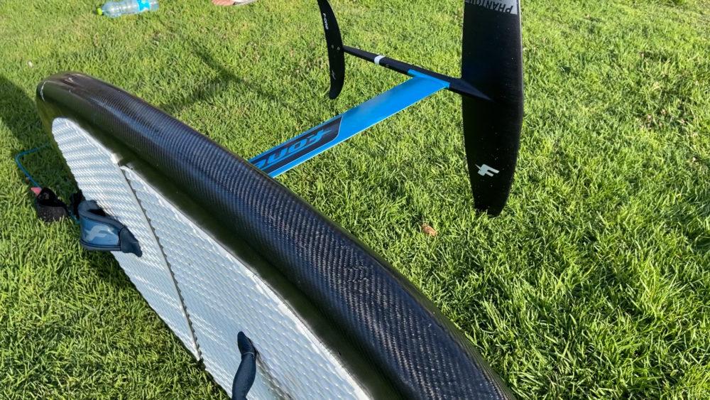 גלשן קרבון וכנף תת מימית - ווינג סרף - Wing Surf • ענף גלישה חדש ומסקרן בחופי חיפה (צילום: ירון כרמי)
