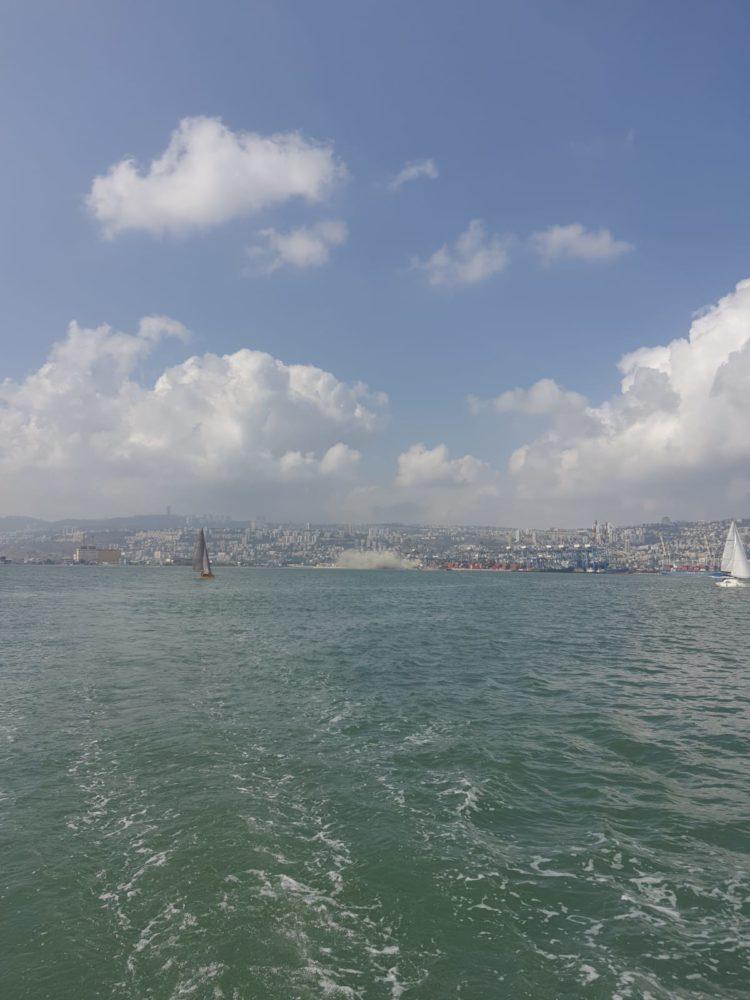 ענן מלט סמיך בנמל חיפה (צילום: דוד בן דוד - שייטי הכרמל)