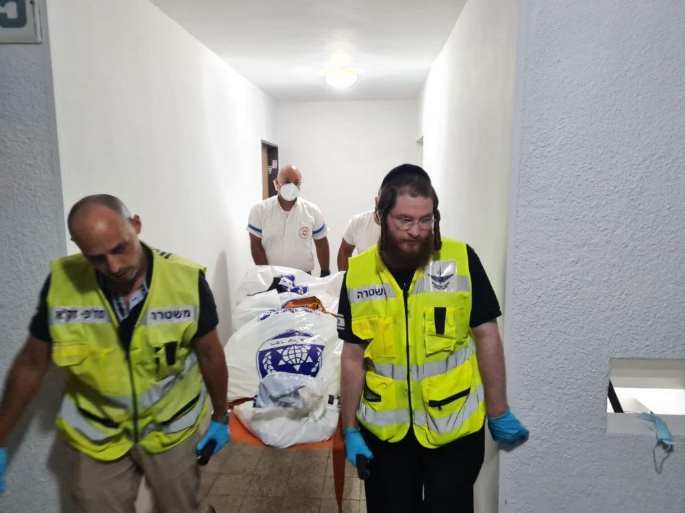 """גופה במצב ריקבון נמצאה בחיפה (צילום: זק""""א)"""